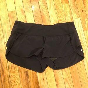 Lululemon size 10 shorts great condition